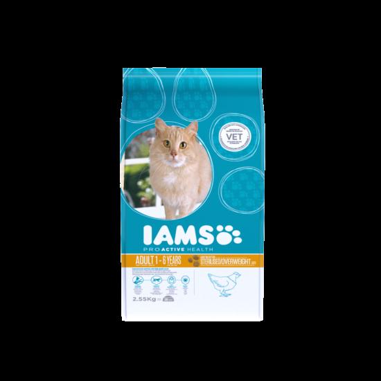 IAMS macskaeledel felnőtt, ivartalanított, hízásra hajlamos cicáknak, csirkehúsban gazdag 2,55 kg
